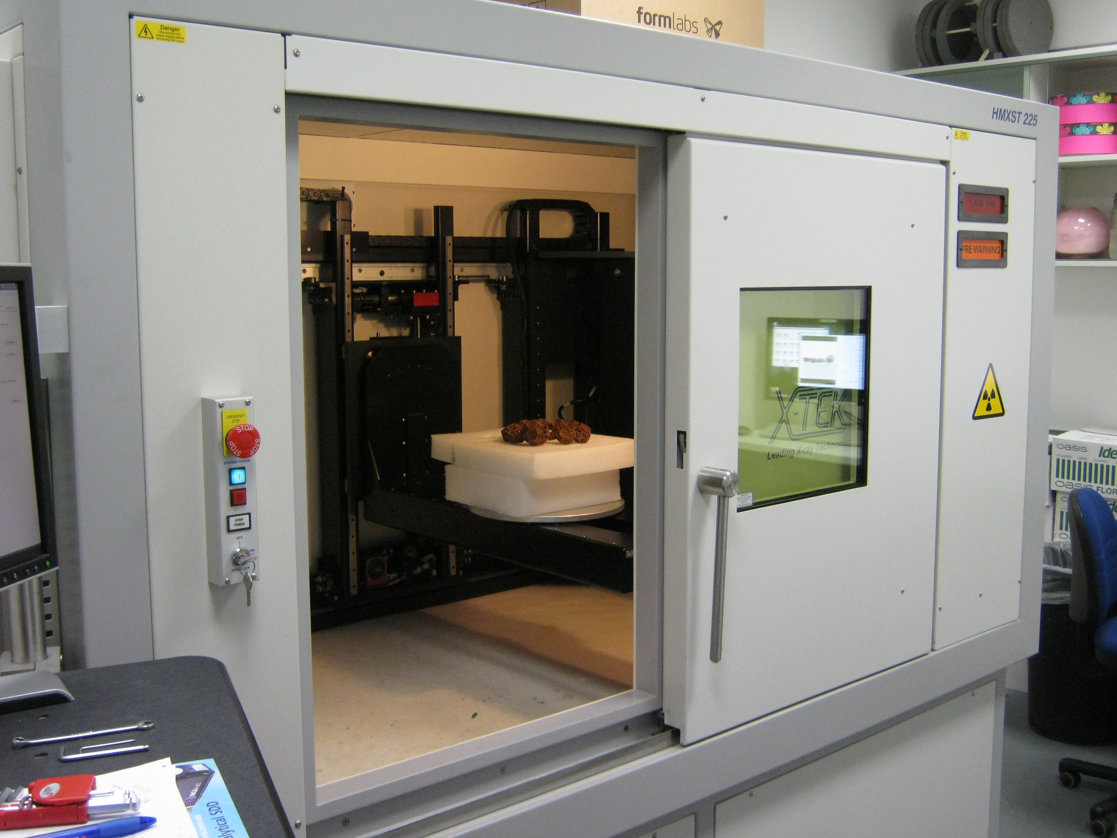 Micro-CT scanner